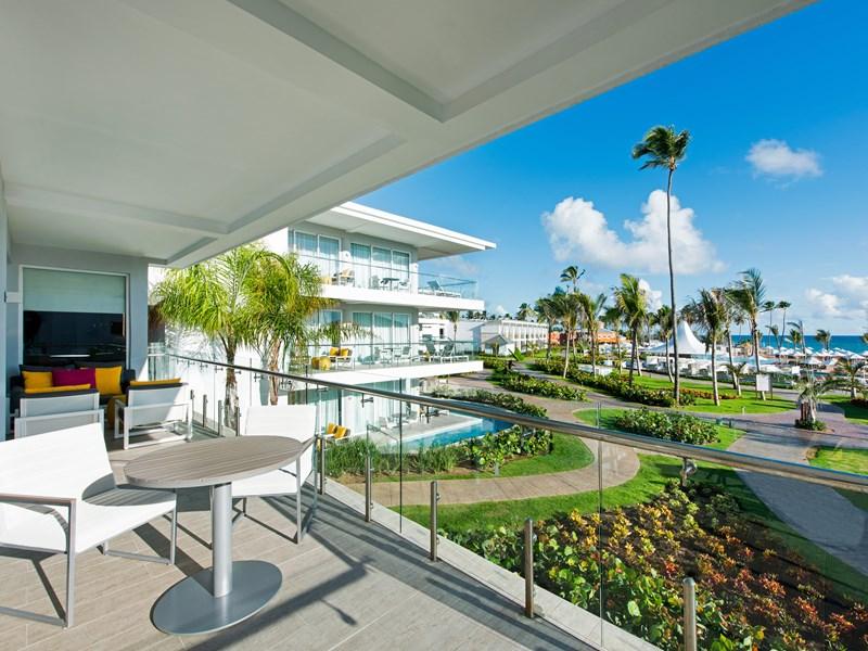 La Premium Honeymoon Suite