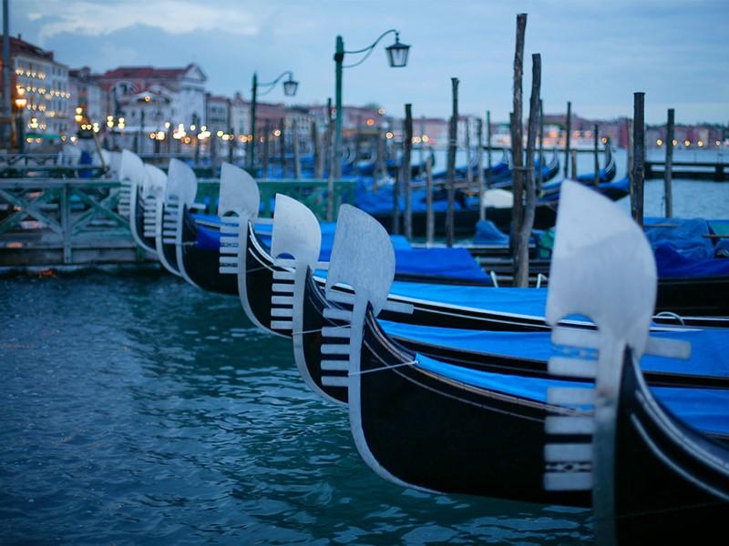 Les célèbres gondoles de Venise