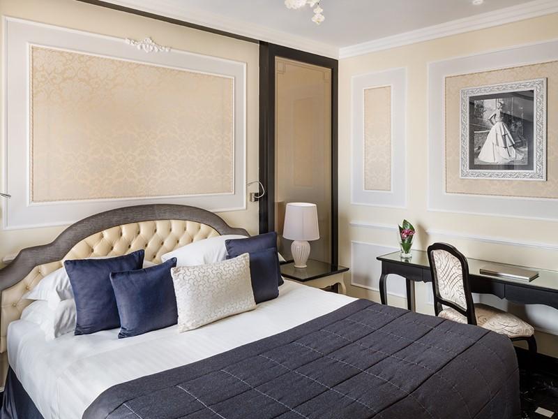 Junior Suite du Baglioni Hotel Regina, en Italie