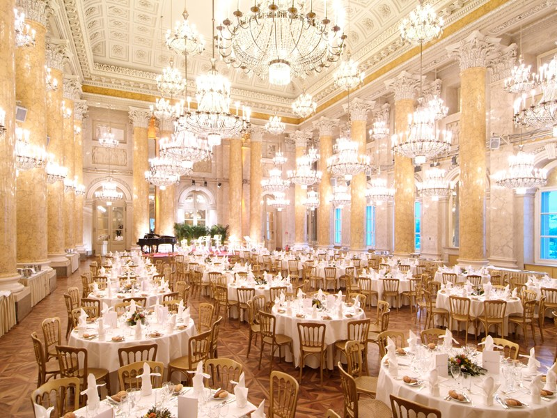 Un dîner de Gala vous sera présenter, dans une atmosphère des plus unique