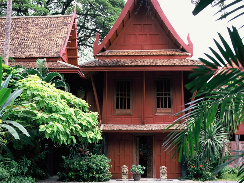 Visitez la maison de Jim Thompson, son jardin tropical et sa collection d'objets d'art