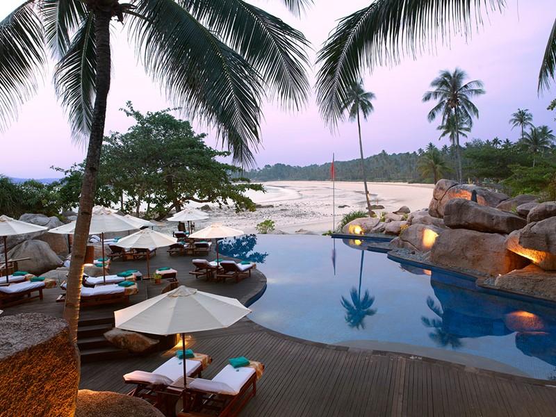 Autre vue de la piscine de l'hôtel Banyan Tree