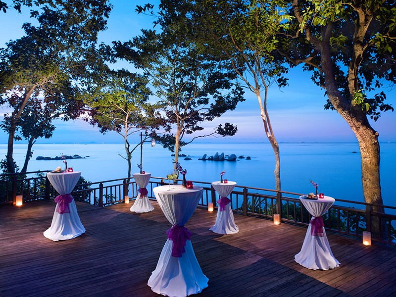 Le Cliff Bar de l'hôtel Banyan Tree à Bintan