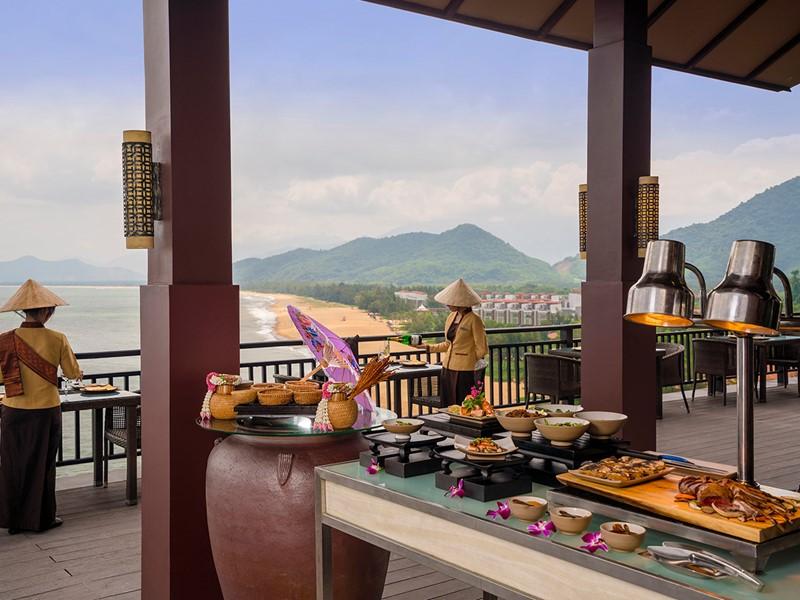 Savourer des plats traditionnels au restaurant Saffron du Banyan Tree