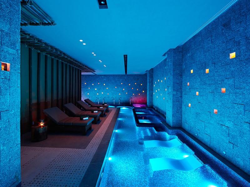 La piscine du spa de l'hôtel Banyan Tree Mayakoba