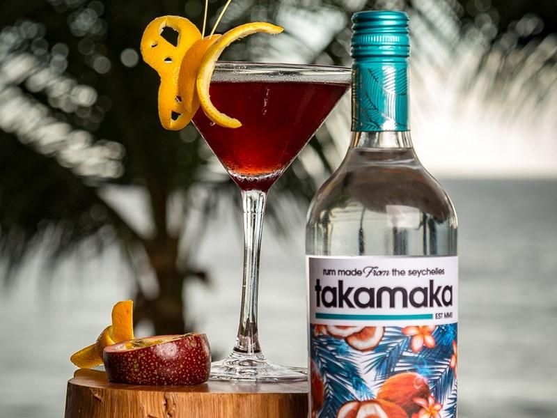 Sirotez un délicieux cocktail