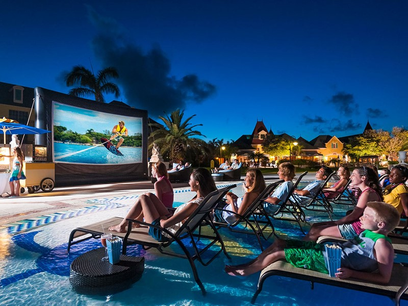 Le cinéma en plein air du Beaches Turks and Caicos