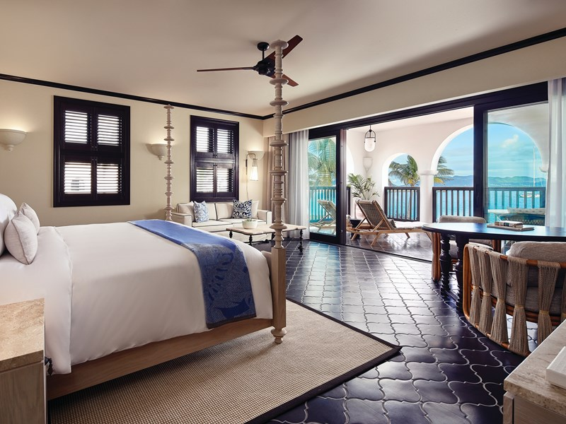 Deluxe Beachfront King Room