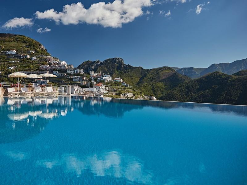 La superbe piscine du Belmond Hotel Caruso