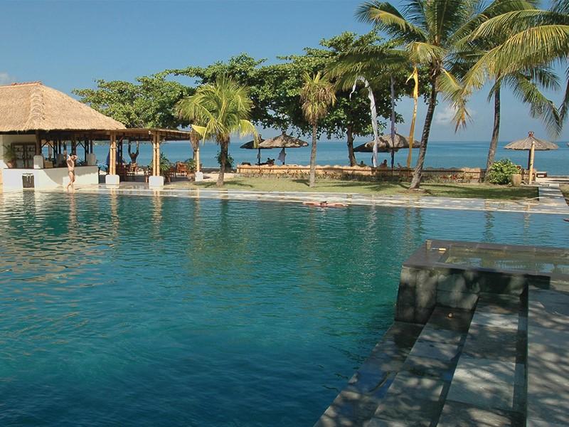 Autre vue de la piscine du Belmond Jimbaran