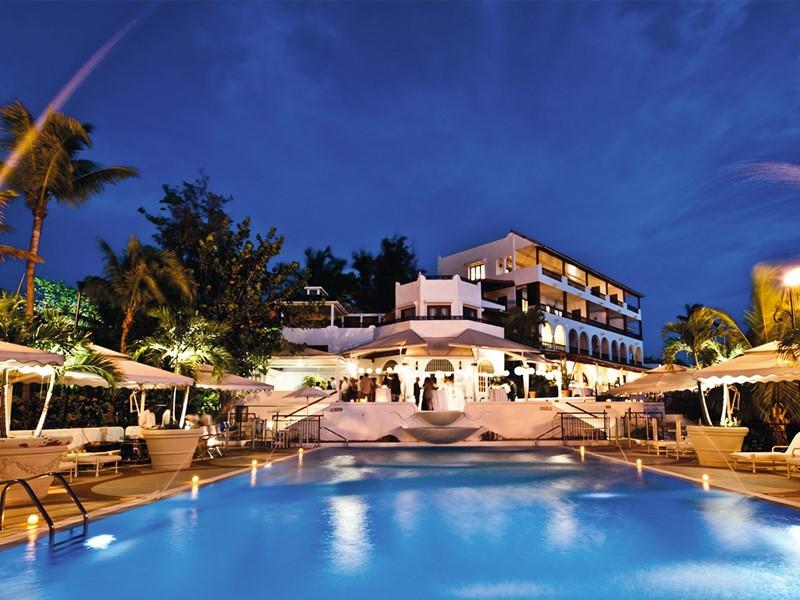 La piscine du Belmond La Samanna situé aux Antilles