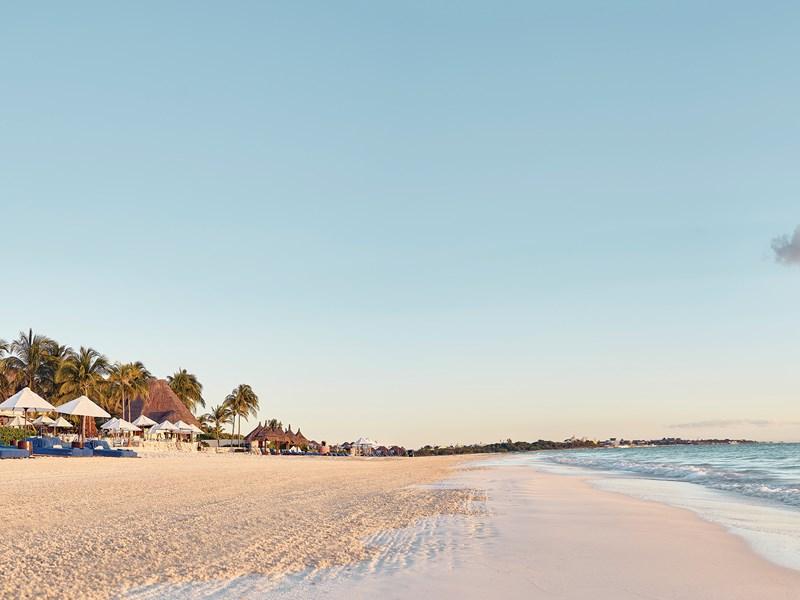 La plage de l'hôtel Belmond Maroma au Mexique