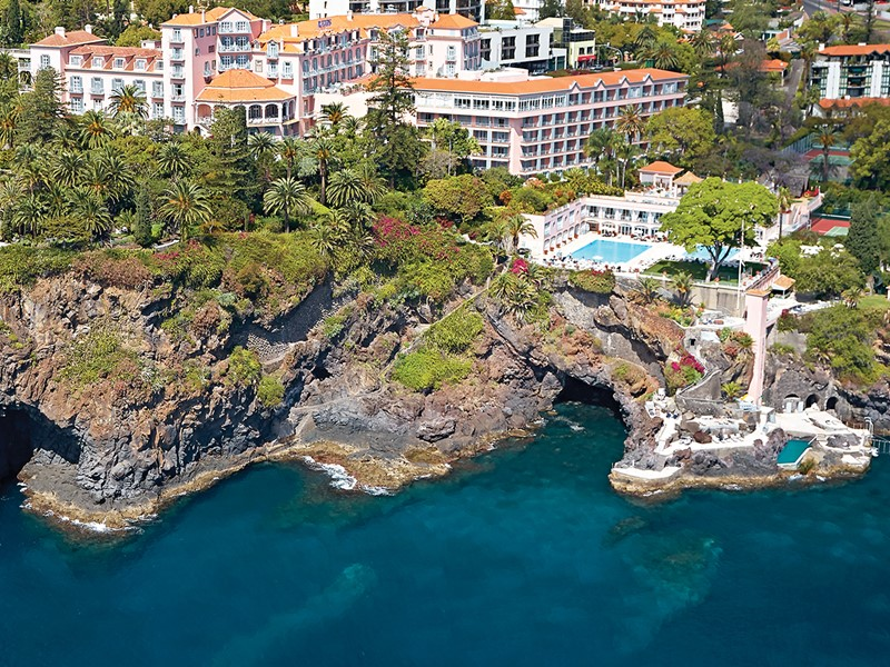 Le Belmond Reid's Palace domine majestueusement la baie de Funchal