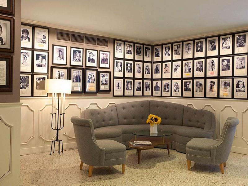 Le lobby du Best Western Plus Hollywood Hills à Los Angeles