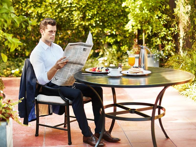 Petit déjeuner gourmand dans le jardin du Beverly Hills