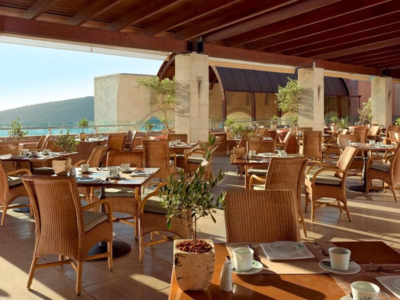 Le restaurant Oléa de l'hôtel Blue Palace en Grèce