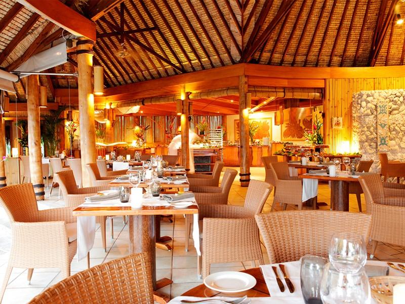 Le restaurant Tevairoa de l'hôtel Pearl Beach Resort de Bora Bora