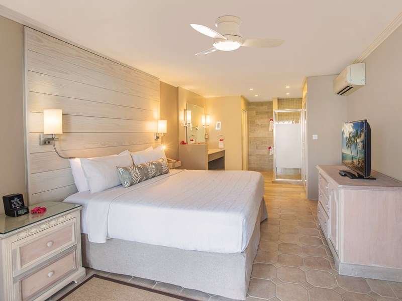 Two Bedroom Beachfront Luxury Suite
