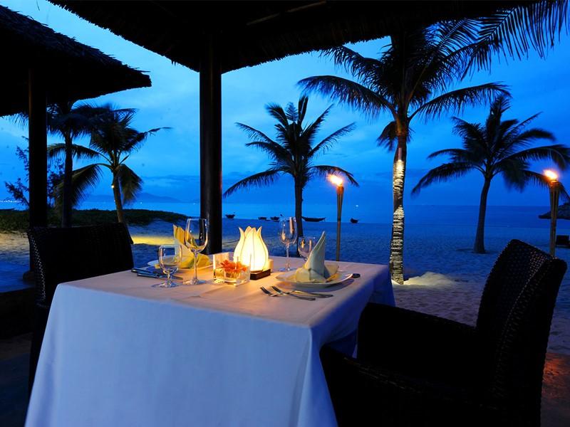 Dîner romantique au Boutique Hoi An Resort situé au Vietnam