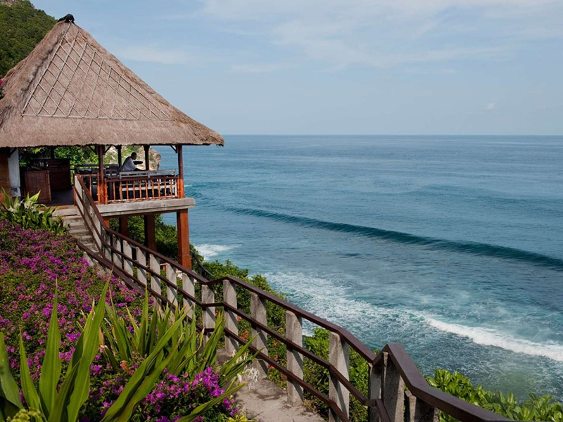 Le restaurant La Spiaggia de l'hôtel Bulgari Resort