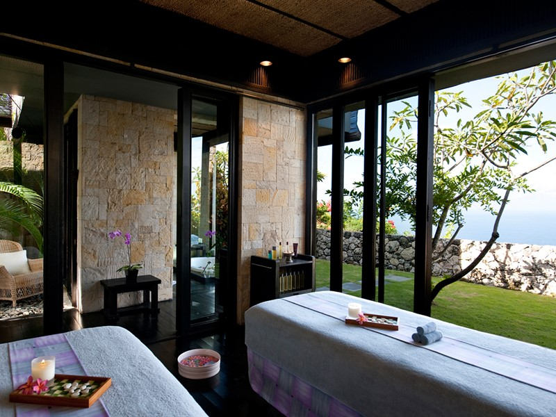 Profitez des excellents soins du spa du Bulgari Resort