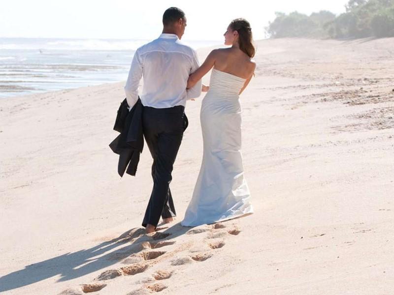 Mariage sur la plage du Bulgari Resort