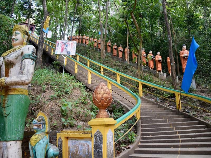 Vue du temple Phnom Sambok à Kratie