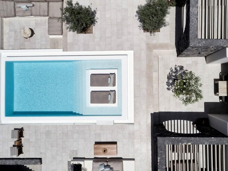 Vue aérienne de la piscine de l'Epitome Villa Pool Terrace