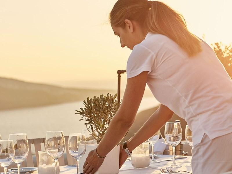 Sirotez un délicieux cocktail face à un magnifique panorama