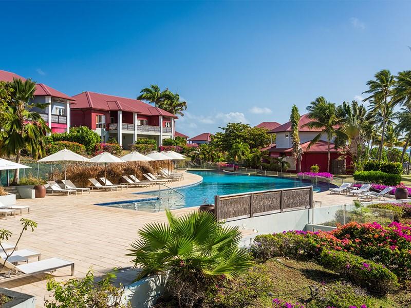 La piscine du Cap Est Lagoon, le meilleur hôtel de la Martinique
