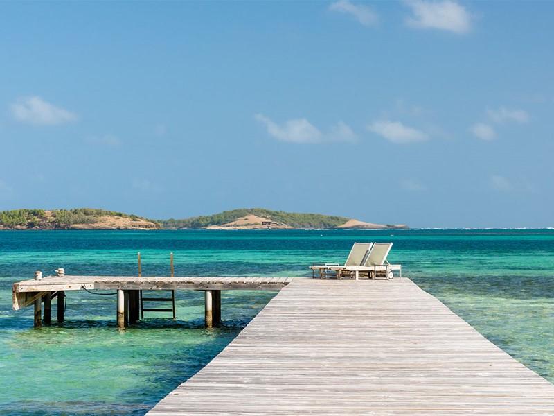 Le ponton du Cap Est Lagoon Resort en Martinique