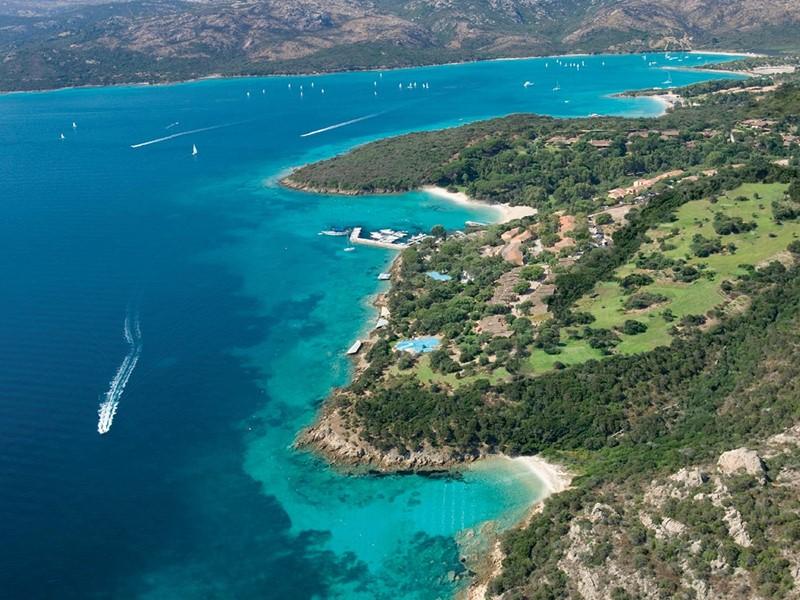 Vue aérienne du Capo d'Orso Thalasso & Spa en Sardaigne