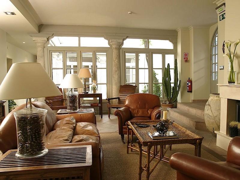 Le lobby de l'hôtel Casas del Rey à Seville