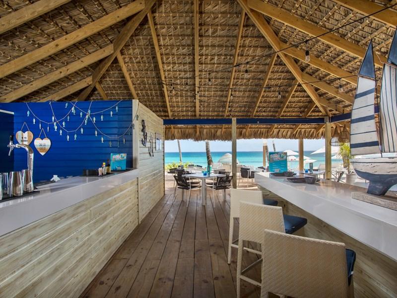 Rafraichissez-vous au Beach Bar
