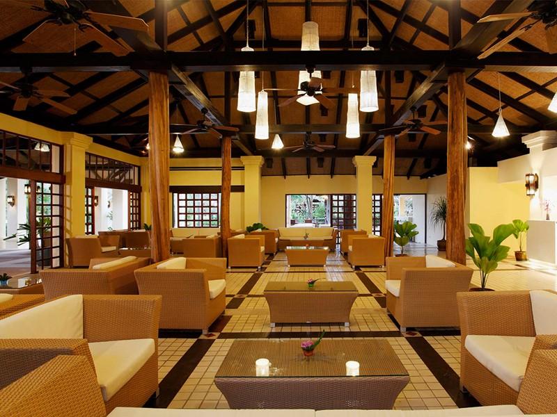 Le lobby de l'hôtel Centara Koh Chang Tropicana en Thailande