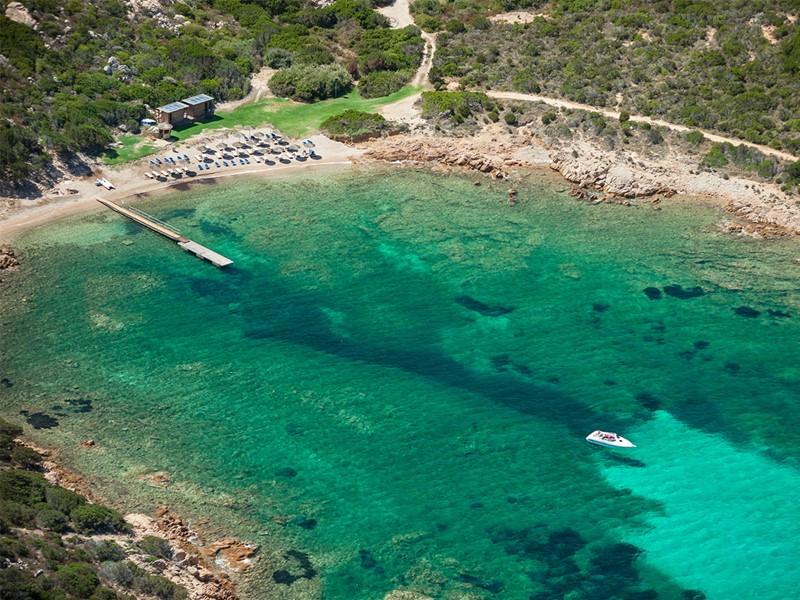 La plage de l'hôtel Cervo situé en Italie
