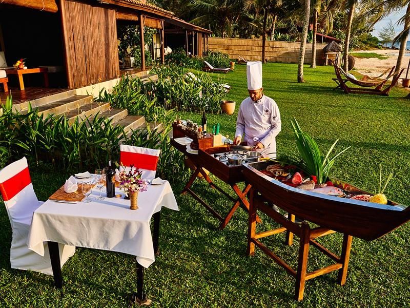 Profitez d'un repas dans votre villa