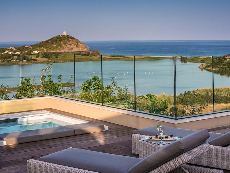 Splendide vue sur la mer Méditerranée depuis le Chia Laguna Resort