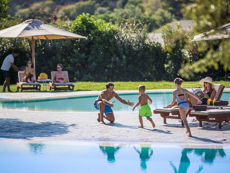Vacances idéales en famille à l'hôtel Chia Laguna Resort
