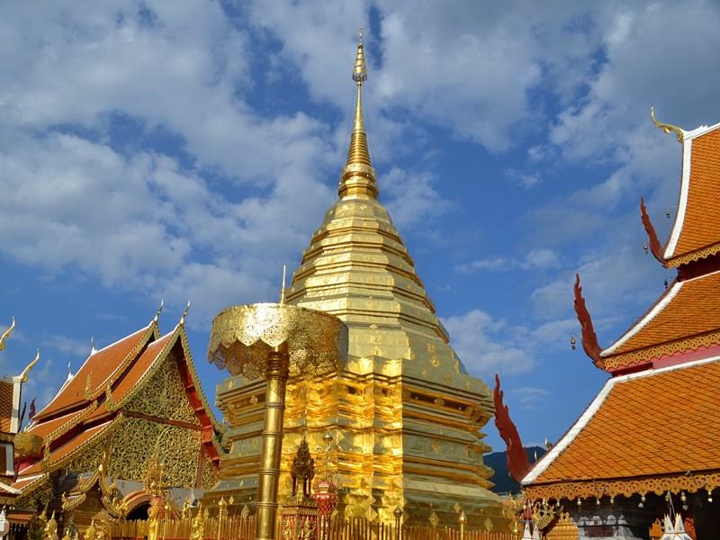 Le grand temple Wat Phrathat Doi Suthep