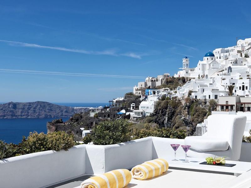 Vue de Santorin depuis l'hôtel Chromata en Grèce