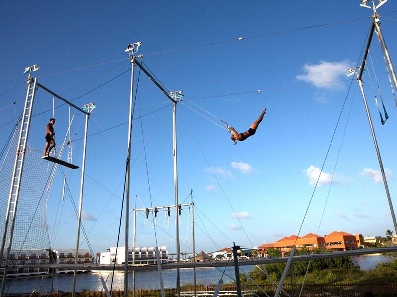L'école de trapèze du Club Med Yucatan au Mexique