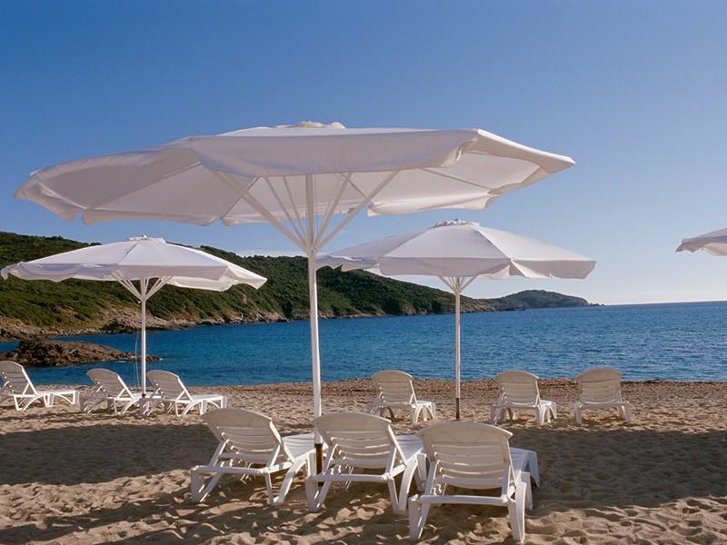 La superbe plage du Club Med Cargèse en Corse