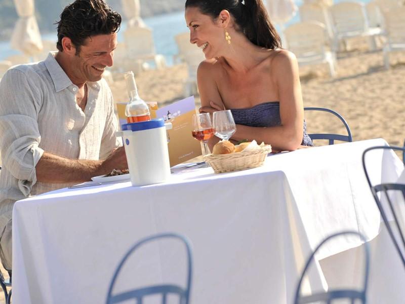 Somptueux repas les pieds dans le sable au Club Med