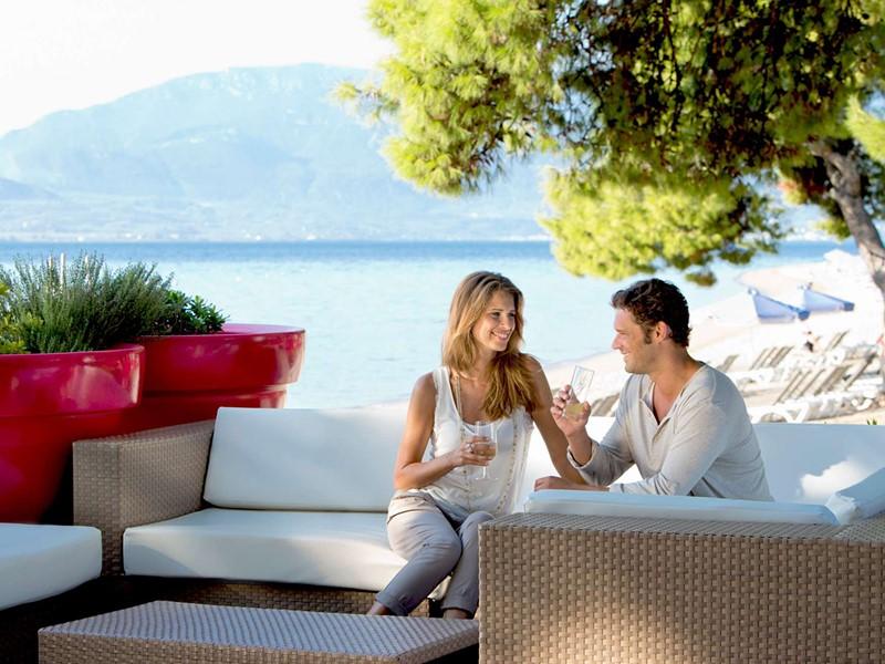 Rafraichissez vous à l'Aphrodite Bar du Club Med