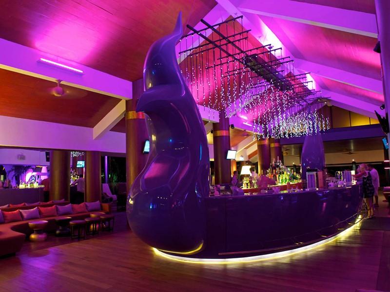 Le bar The Sanook du Club Med Phuket en Thailande