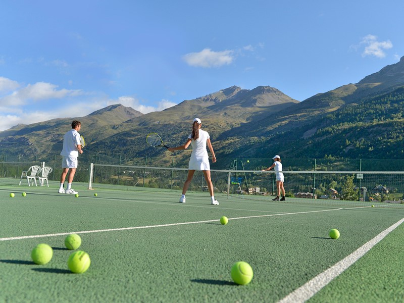 Le court de tennis du Club Med Serre-Chevalier