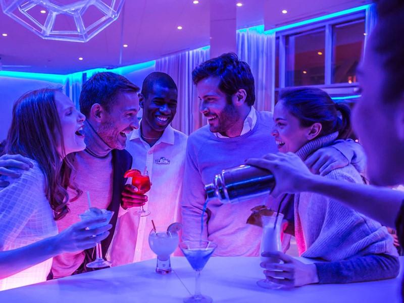 Rafraichissez vous au bar du Club Med Val Thorens
