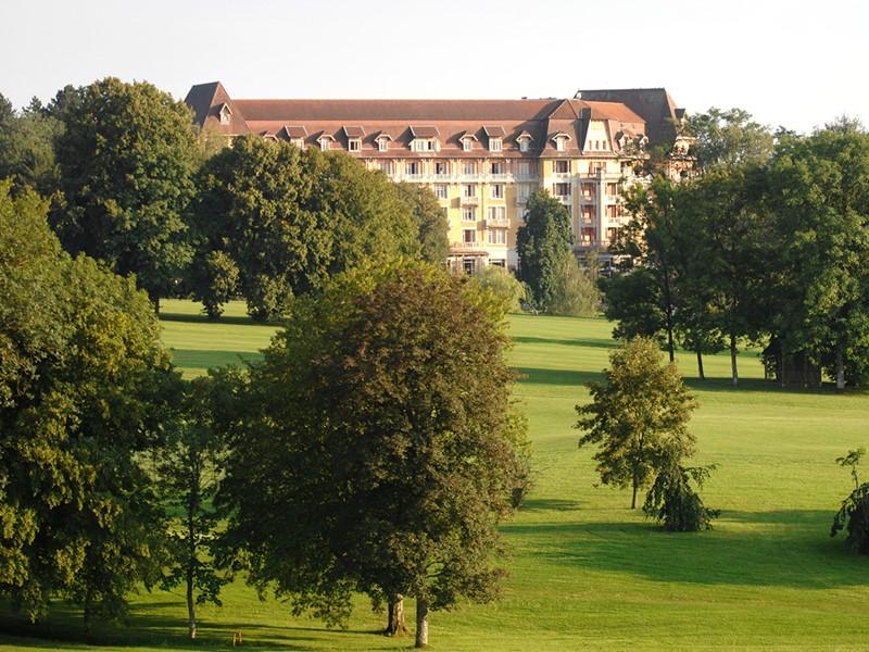 Vue du Club Med Vittel Ermitage, situé au coeur d'un site magnifique