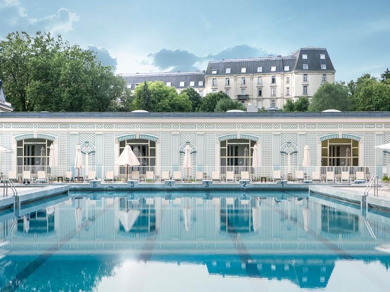 La superbe piscine du Club Med Vittel Le Parc